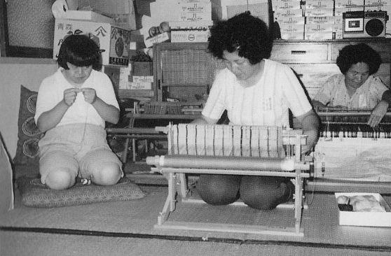 織物班の作業風景